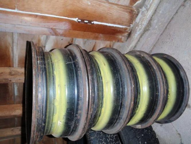 4 Steel Rims off 1973 Ford Thunderbird