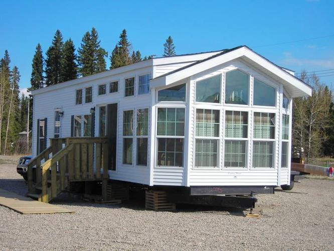 Fairmont Park Model Four Season Home In Bowden Alberta