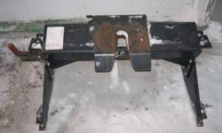 DSP 5th wheel hitch. Needs bed rails to fit your truck size. Vertical load 4,250lbs./1,932kgs. GVW 17,000lbs./7,728kgs.   $250.00 OBO.